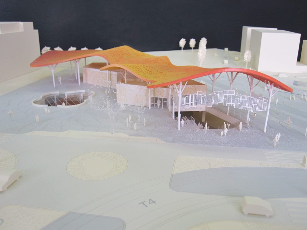 maquette couleur de la gare de Clichy Montfermeil par miralles Tagliabue EMBT pour le grand Paris 1/200 ème