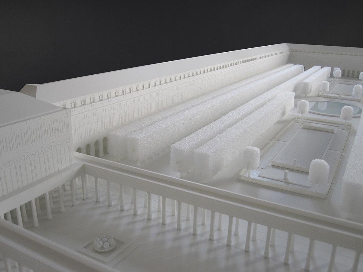 maquette blanche du Palais Royal pour Louis Vuitton, 1/158
